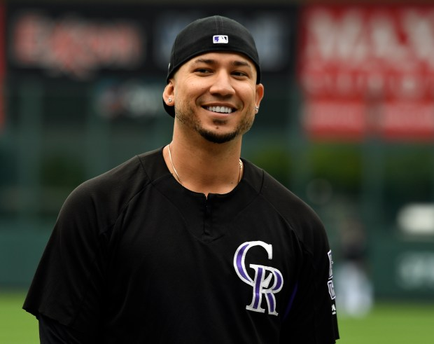 Right fielder Carlos Gonzalez signed a one-year, $8 million deal with the Colorado Rockies on Monday.