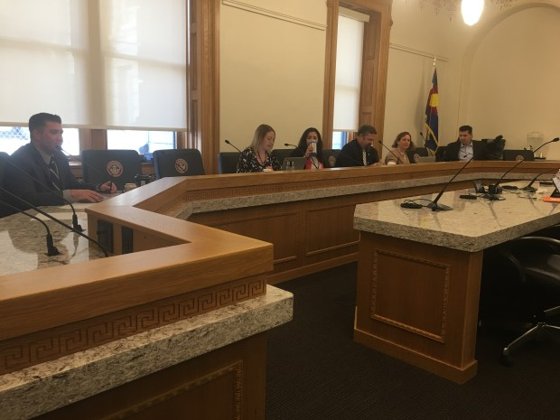 The Colorado legislature's executive committee meets to hear the Capitol climate report on April 5, 2018.