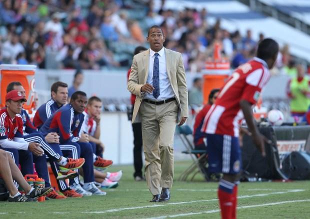 Head Coach Robin Fraser of Chivas ...