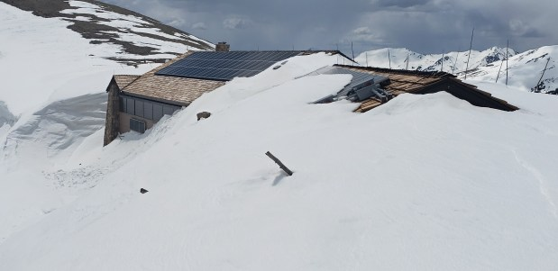 Trail Ridge Road visitor center definitely not ready for visitors due to snow