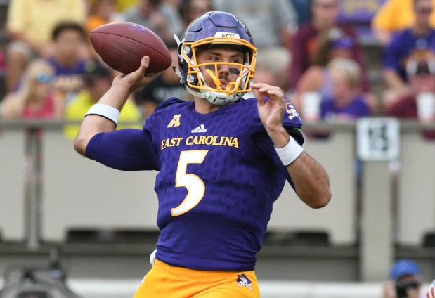 Quarterback Gardner Minshew #5 of the ...