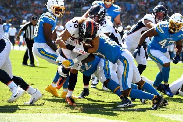 Broncos hold off Chargers, 20-13, for coach Vic Fangio