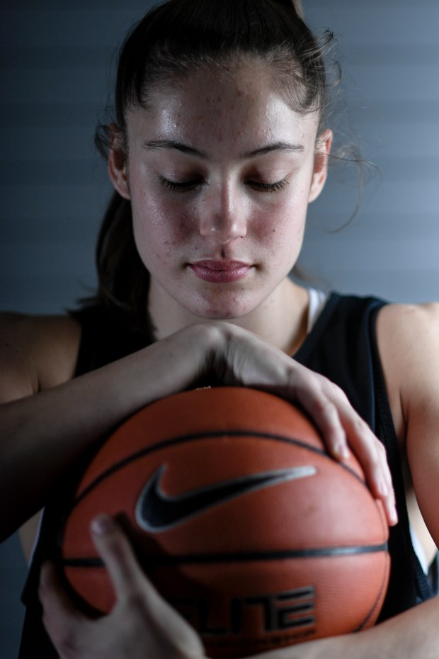 CU Buffaloes basketball player Emma Clarke ...