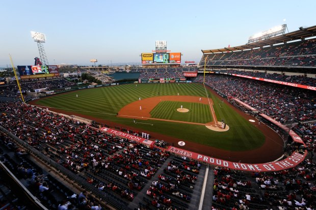 Saunders: Ranking Major League Baseball's ballparks from worst to first