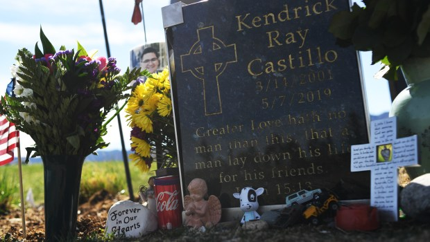 Kendrick Castillo's grave site at Seven ...