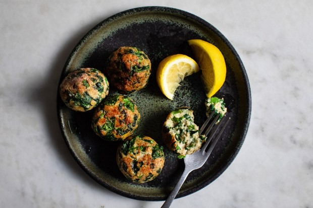 Herbed chicken and spinach meatballs, in ...