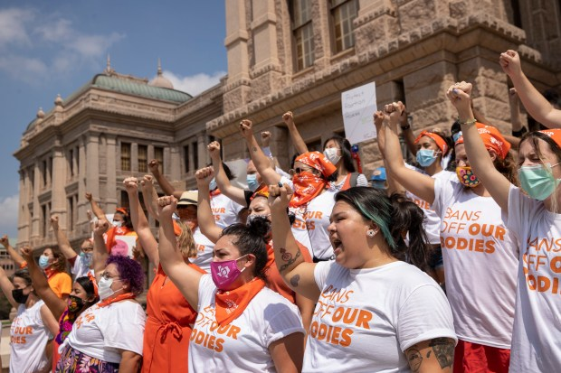 Women protest six weeks of abortion...