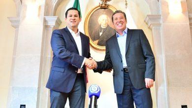 Photo of Sinhue y Márquez se reúnen en el Palacio de Gobierno