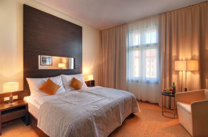 Quel est le vrai prix d'un hôtel avec ses faux frais dans 48 pays?