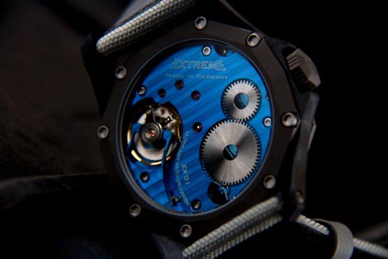 EX001-blue