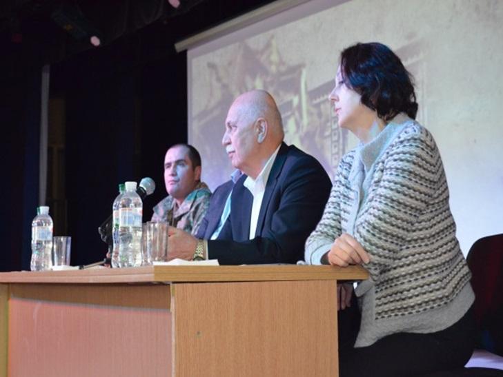 """Для чого у Кропивницькому прокинулися """"єлисаветградці"""" і влаштували сходку  - фото 4"""
