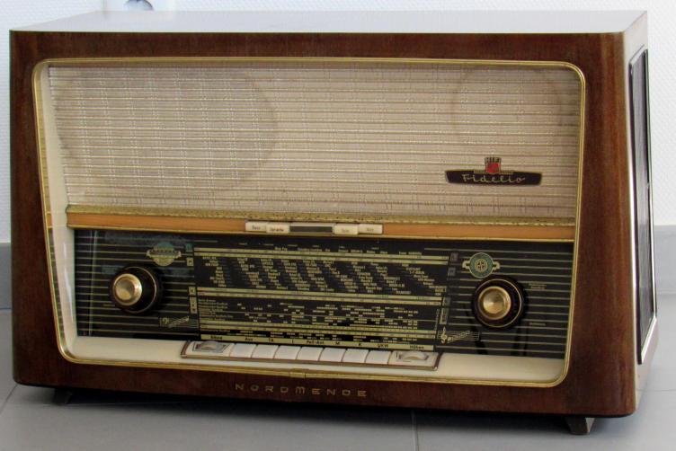 Radio d'epoca Nordmende Fidelio U30