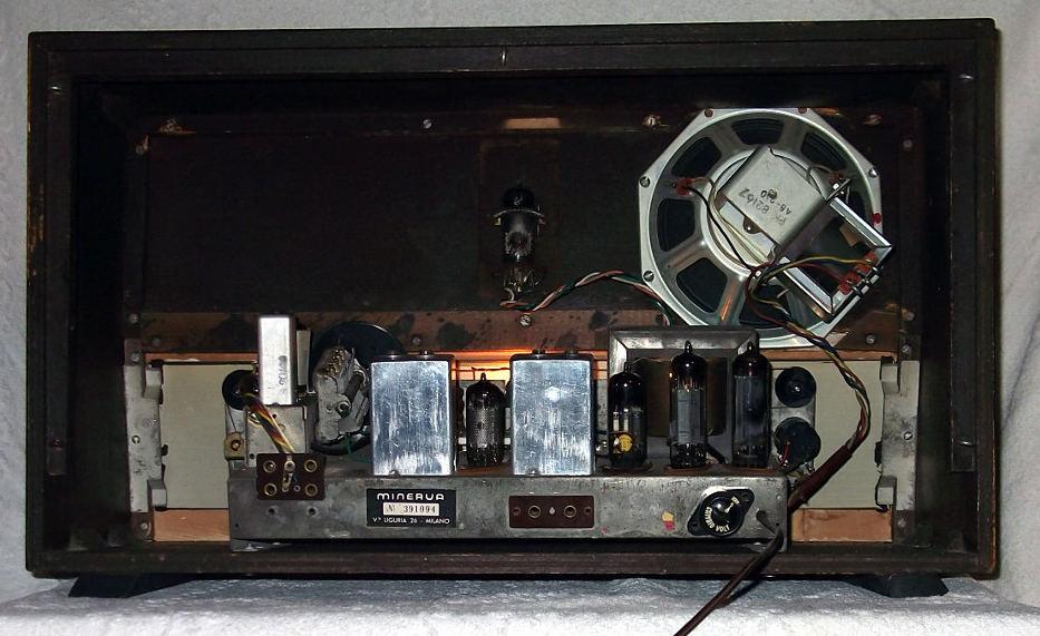 Radio Minerva Resia 586/9 - chassis