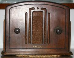 US_Philco_57_front_small
