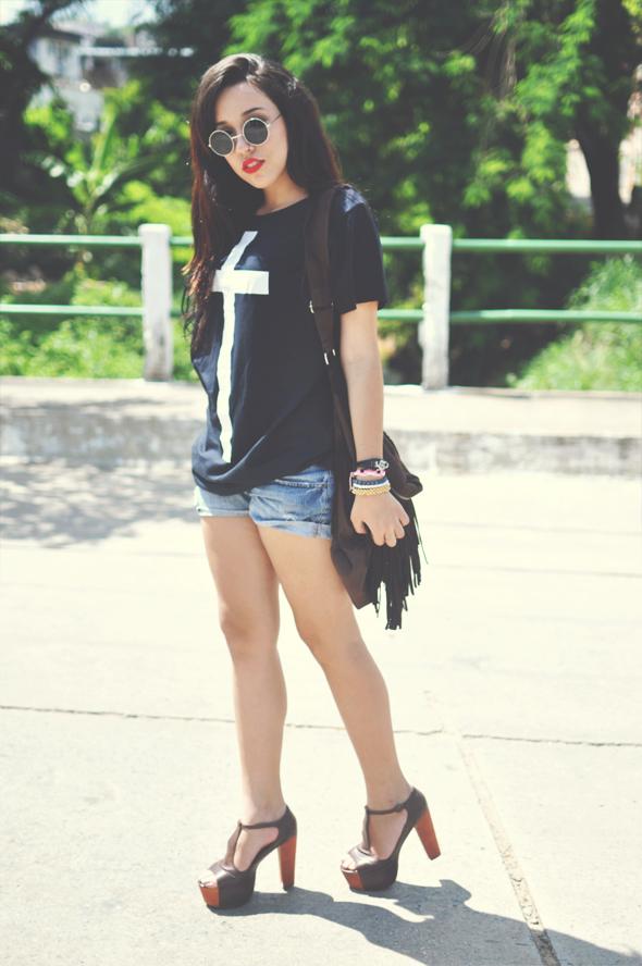 look-black