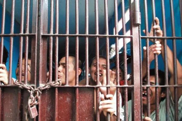 cárceles en Perú