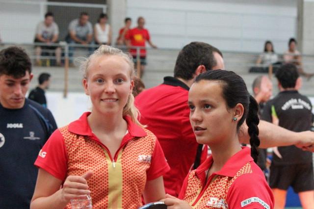 Kroppen y Monge jugadoras del COVICSA Santa Eulària