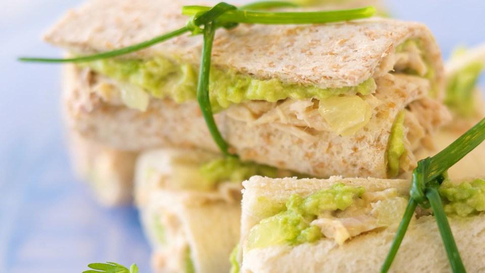 recetas sándwiches saludables de bacalao con guacamole casero