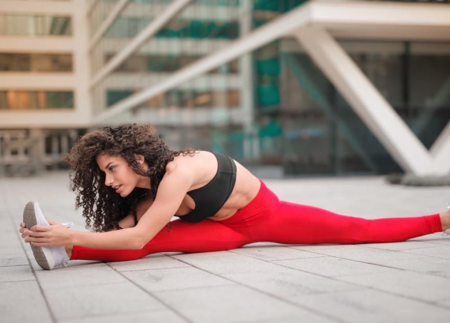Entrenar la flexibilidad es uno de los objetivos para mejorar físicamente