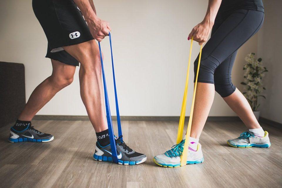 ejercicios con gomas elásticas cerradas