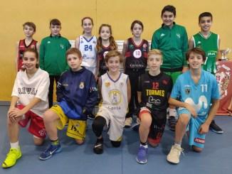 Gran nivel en el primer torneo navideño minibasket en Cáceres