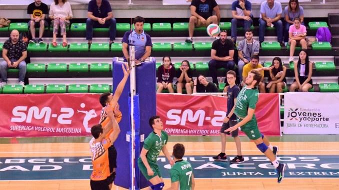 Renovación de Rodrigo Mirabent Villanueva por el AD Cáceres Voleibol