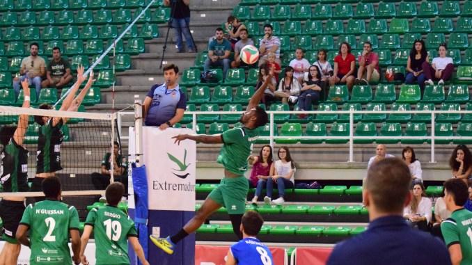 El Extremadura Cáceres Patrimonio de la Humanidad se enfrenta al Club Voleibol Collado Villalba con la intención de sumar