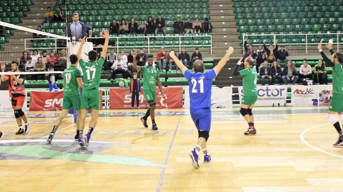 Victoria del Extremadura CCPH por 3-2 ante Club Voleibol Vigo