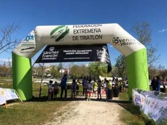 Primera-Jornada-Triatlón-Divertido-Judex-Menores-Casr-de-Cáceres-scaled