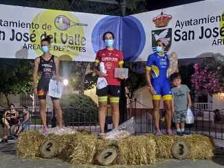 Marta Reguero gana el II Triatlón Janda y Sierra San José del Valle
