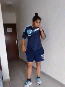 Cecilia López beso camiseta argentina