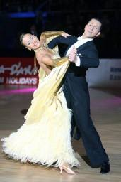 Isaac y Desiree - Bailarines deportivos.7 veces campeones de España en modalidad stándard y 10 bailes.