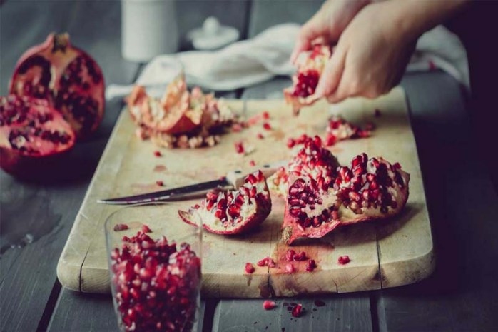 pomegranate-seeds-nutrition-facts
