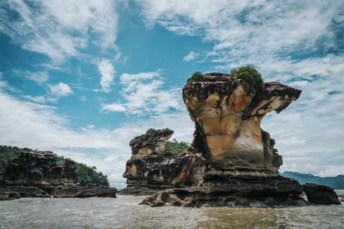 bako-sea-stack-borneo-malaysia