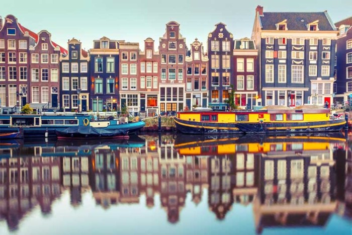 amsterdam-beautiful-places-in-netherlands