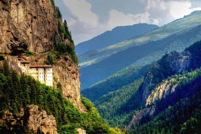 sumela-beautiful-places-in-turkey