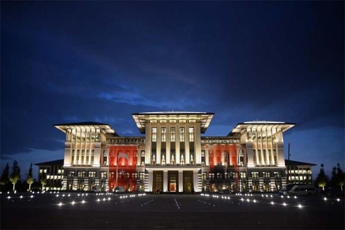 ak-saray-largest-palace
