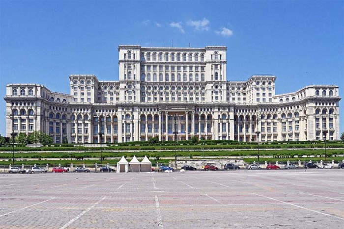 palace-of-the-parliament-largest-palace