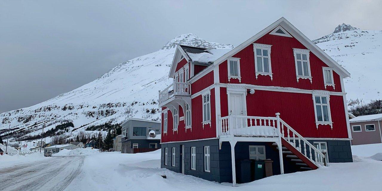 Día de invierno en Seyðisfjörður