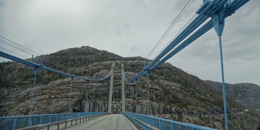 Atravesando elLysefjordbrua