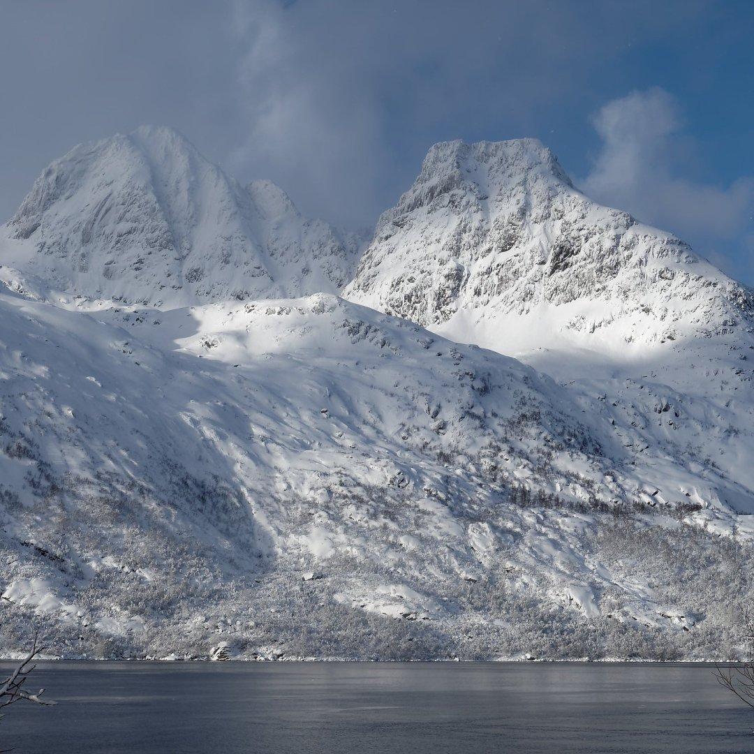 Sol y nieve en Austvågøy
