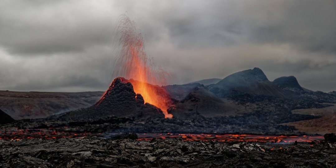 Erupción al atardecer 2