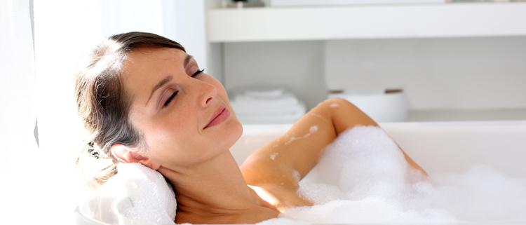 il consumo medio d'acqua per fare il bagno è di 50/130 litri