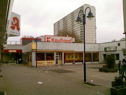 Tristesse Hochheider Ladenstadt