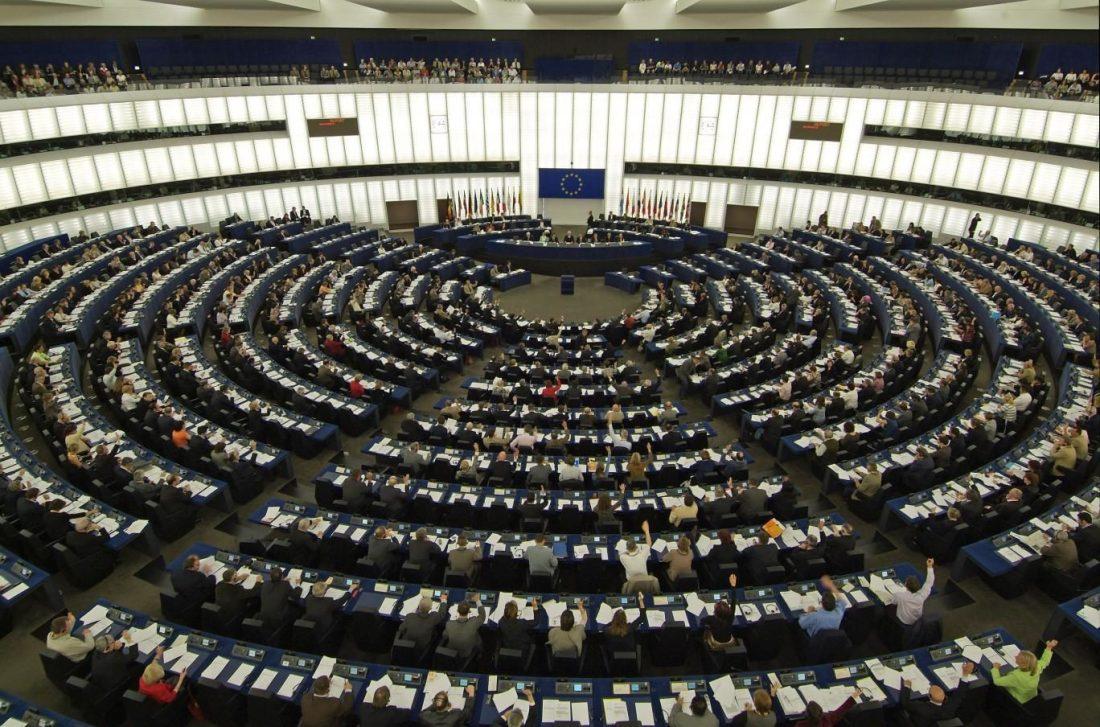 USA har store deler av EU-parlamentet i lomma.