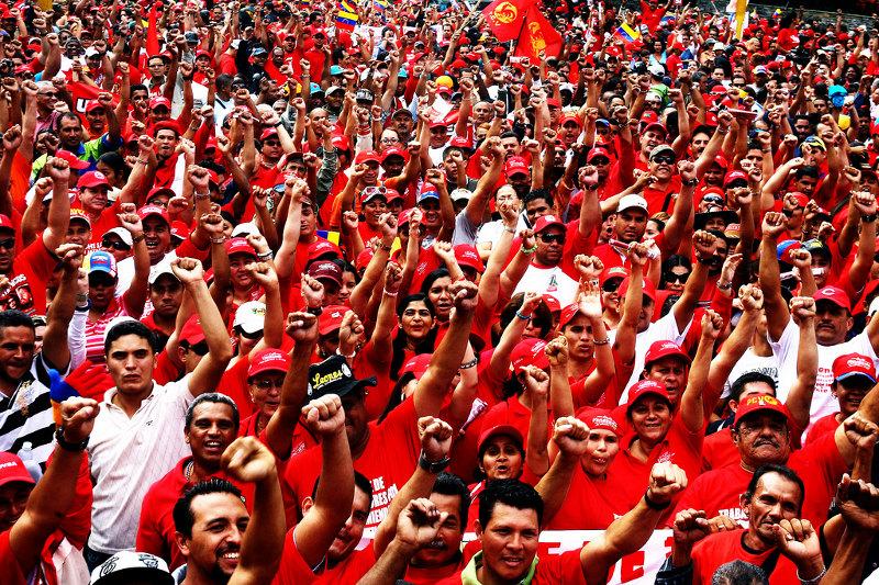 Colectivos er selvstyregrupper som forsvarer den Venezuelanske regjeringen.