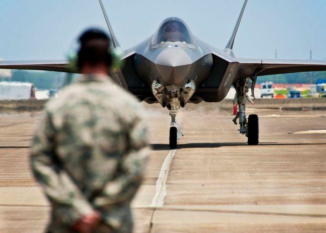 Tyrkia skal nå utestenges fra F-35-programmet fordi de kjøper det russiske S-400.