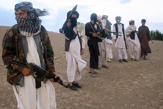 Hvis ikke US-finansierte militser blir en del av en fredsavtale blir det vanskelig å få til fred i Afghanistan.