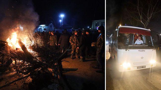 Buss med ukrainske turister fra Kina utløser opptøyer i Ukraina.