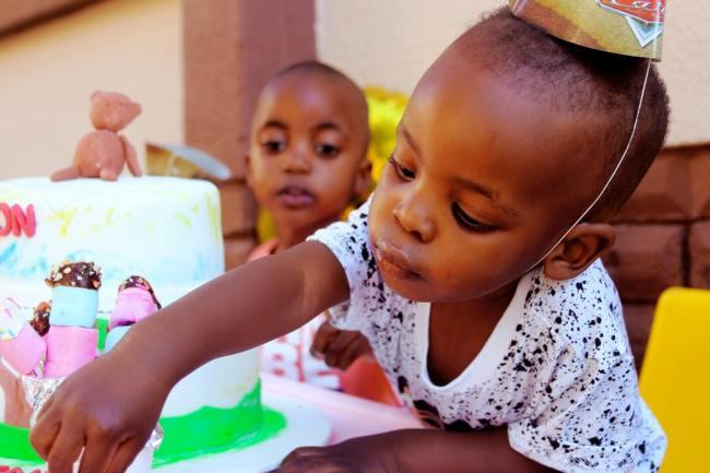 UNICEF advarer mot stor økning i barnedødsfall som følge av omdisponering av helseressurser mot Covid-19.